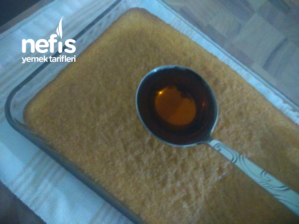 Kremalı Ekmek Kadayıfı(karamelize Şerbetli)