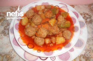 Kızartılmış Sebzeli Bulgurlu Sulu Köfte Yemeği Tarifi