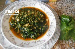 Isırganotlu Sarımsaklı Ispanak Yemeği Tarifi