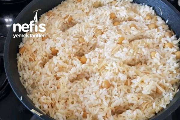 Tel Şehriyeli Nohutlu Pirinç Pilavı Tarifi