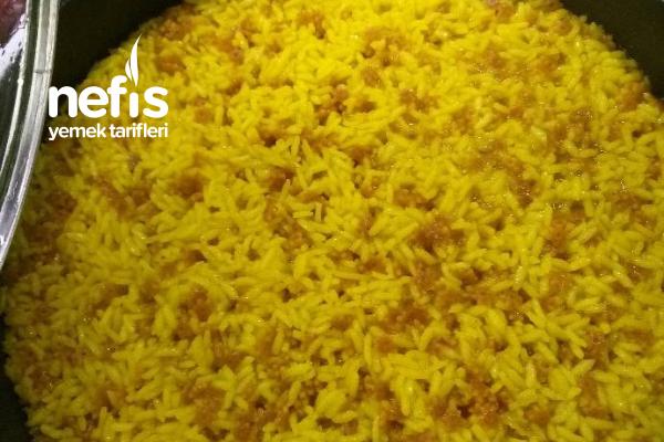 Zerdeçallı Pirinç Pilavı Tarifi