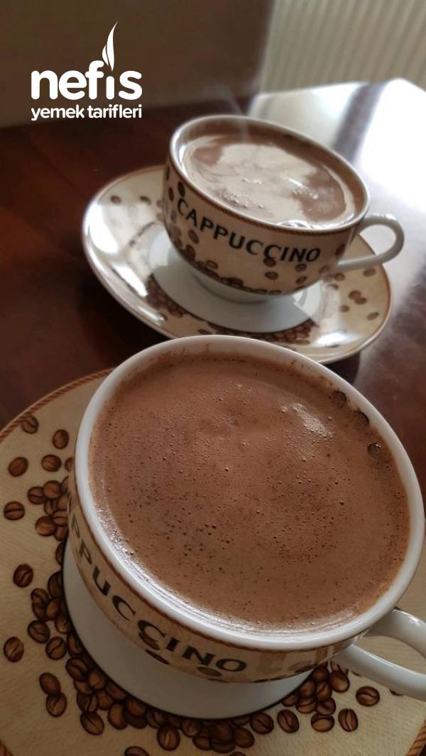 Köpüklü Sütlü Kahve