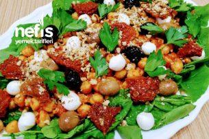 Rokalı Nohut Salatası Tarifi