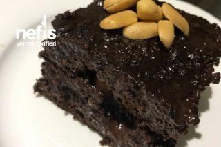Bol Çikolatalı Fıstıklı Islak Kek Tarifi