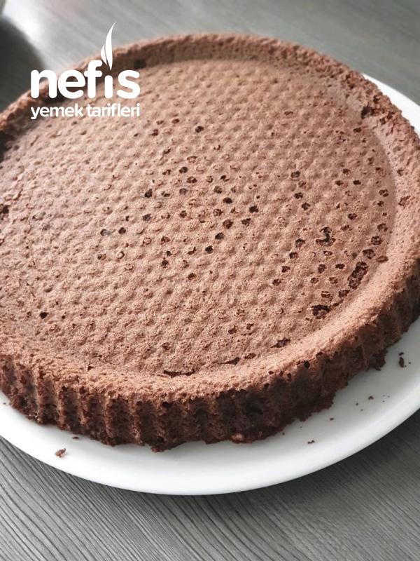 Fındıklı Karemelli Çikolata Soslu Muhteşem Pasta