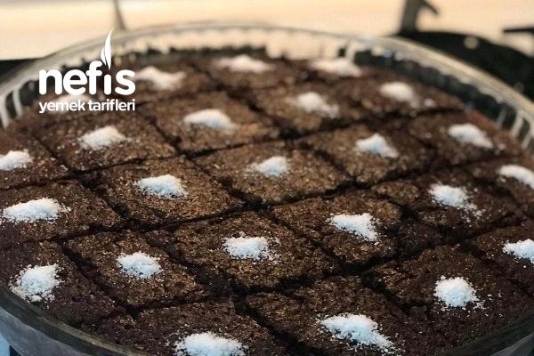 Islak Kek (Sosu Pişirilerek) Tarifi