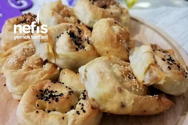 Kabaklı, Kıymalı, Patatesli Börek Tarifi