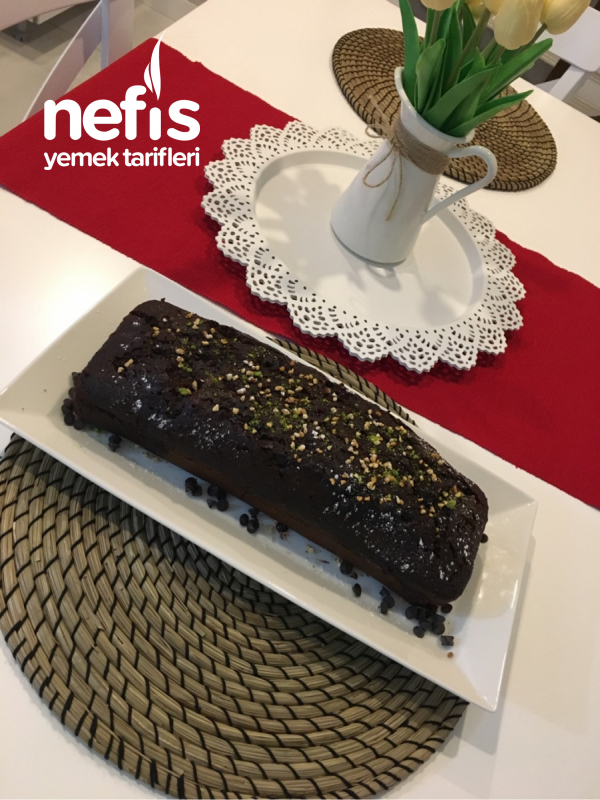 Nefis Bir Çikolatalı Islak Kek