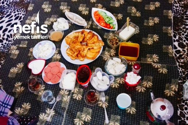 Adaşımla Kahvaltı Keyfi Tarifi