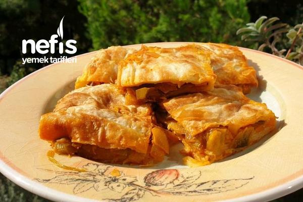 Pırasalı Tava Böreği (Pratik Ve Yumuşacık Tarif) Tarifi
