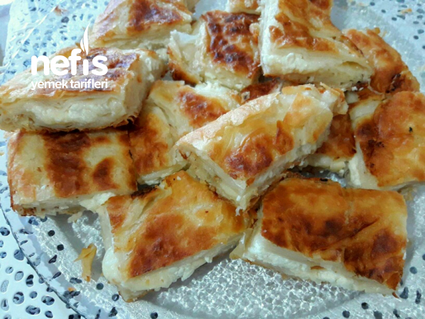 Sulu Tava Böreği ((su böreği tadında