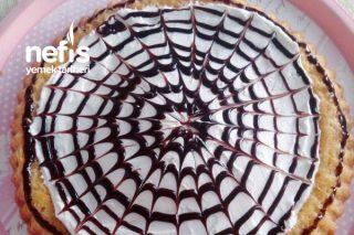Tart Kalıbında Çikolata Soslu Triliçe Tarifi