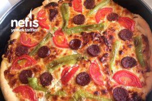 Evde İnce Hamurlu Kolay Pizza Tarifi