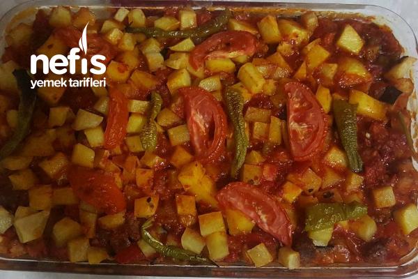 Fırında Kıymalı Patlıcan Patates Tarifi