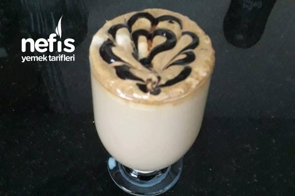 Çikolata Soslu Sıcak Kahve Tarifi