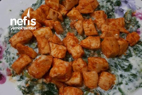 Yoğurtlu Ispanak Yatağında Tavuk Sote Tarifi