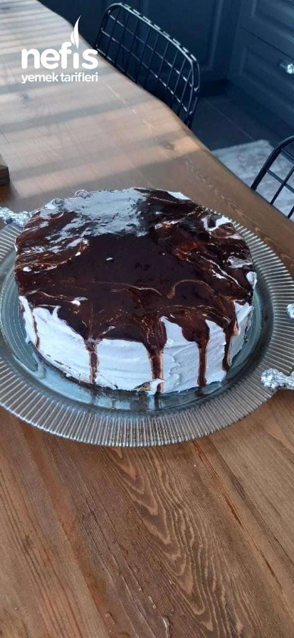 Bitter Ganajlı Böğürtlen Pastası