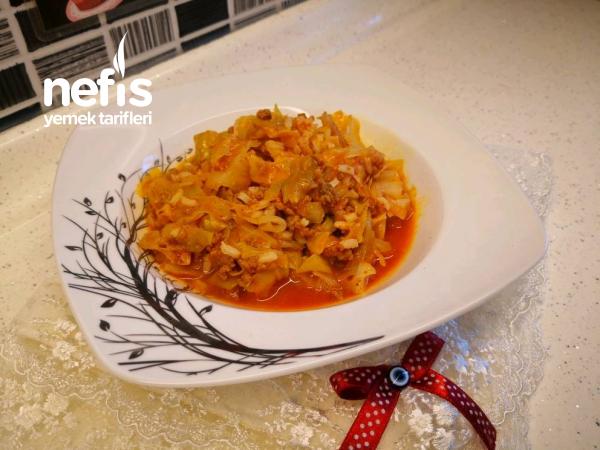 Kapuska Nasıl Yapılır? Kıymalı Pirinçli Lahana Yemeği