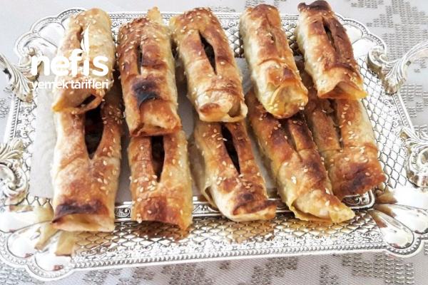 Efsane Çıtır Soslu Patlıcanlı Karnıyarıklı Börek Tarifi