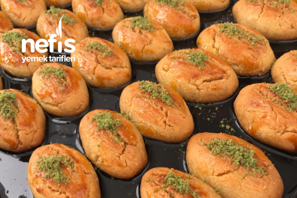 Pastane Usulü Fındıklı Şekerpare Tarifi