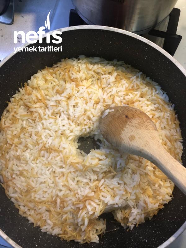 Tel Şehriyeli Pirinç Pilavı (En Aceminin Bile Ustaya Taş Çıkaracağı)