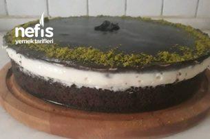 Soslu Yumoş Pasta Tarifi