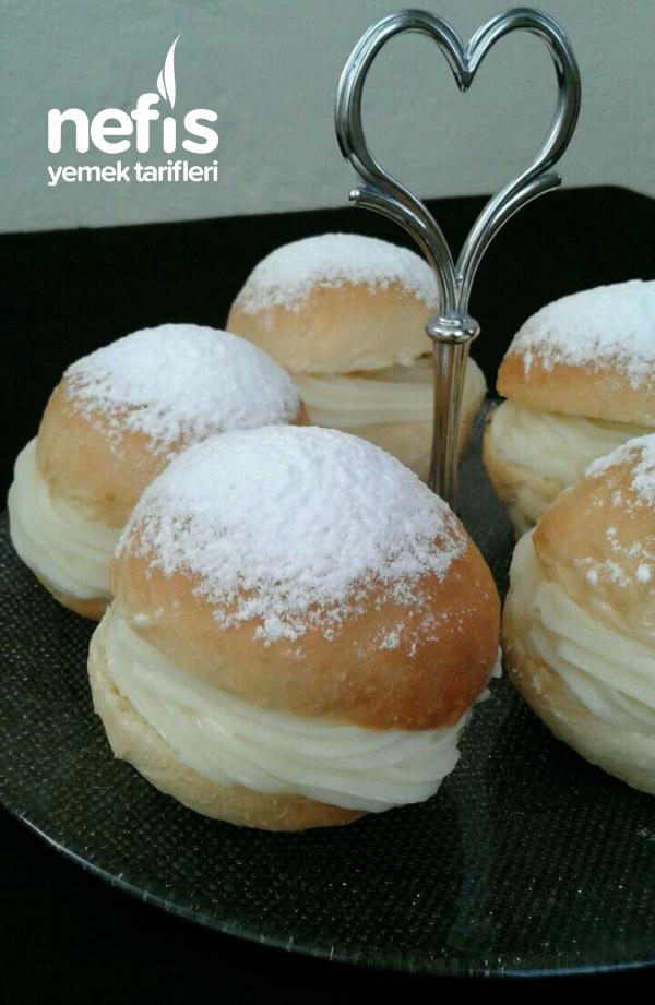 Alman Pastası (Pudra Şekerli)