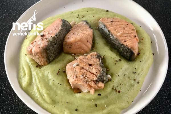 Brokoli Püresi (Balık Eşliğinde) Tarifi
