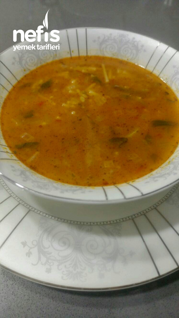 Kemik Sulu Ispanak Çorbası