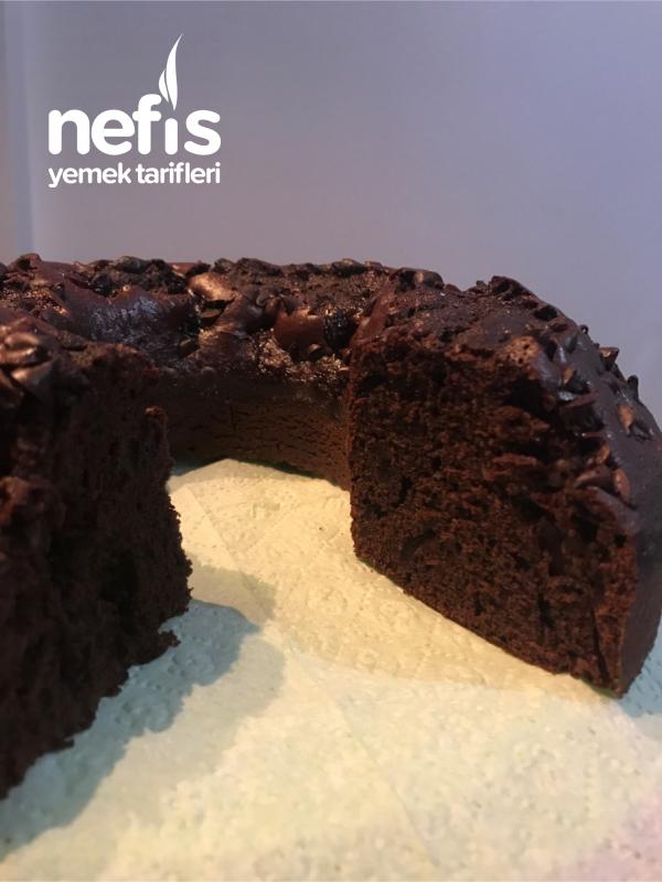 Vişne Reçelli Kakaolu Kek