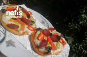 Mini Pizza (Çok Pratik) Tarifi