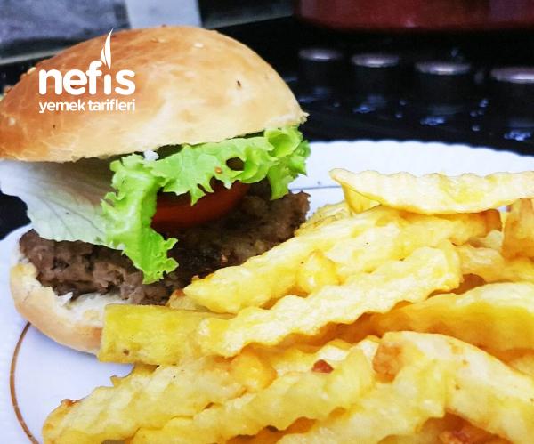 Hamburger Ekmeği, Köftesi Ve Çıtır Patates