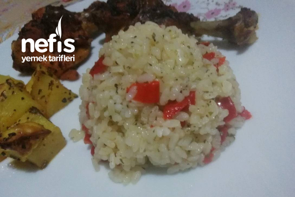 Kırmızı Biberli Baharatlı Muhteşem Pirinç Pilavı Tarifi