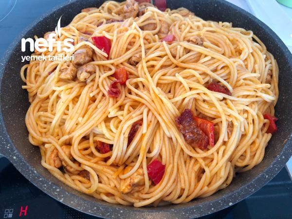 Tavuklu Spagetti