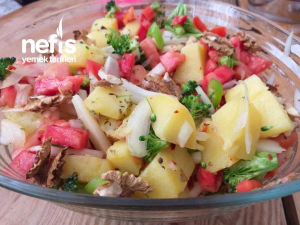 Cevizli Patates Salatasi