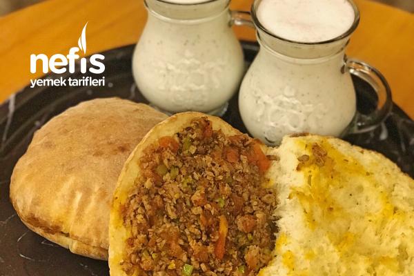 Ev Yapımı Pita Ekmeği Arası Kokoreç Tarifi