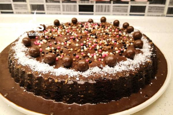 Muzlu Çikolatalı Tart Pasta – Bir Dilim Asla Yetmeyecek (Videolu) Tarifi