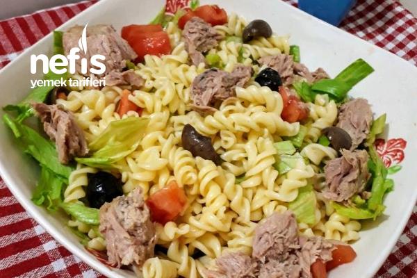 Tonbalıklı Makarna Salatası Tarifi