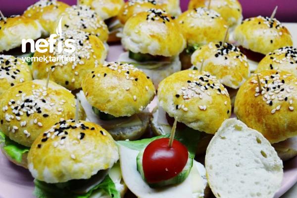 Hazır Hamurdan Mini Sandviç (Videolu) Tarifi