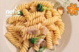Brokolili İstiridyeli Makarna Tarifi