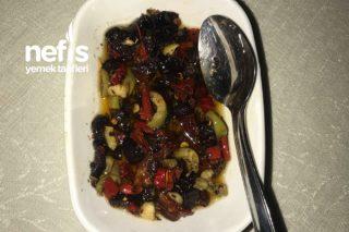 Kahvaltılık Kuru Domates Ve Zeytin Salatası (Big Chefs İkram Tabağı) Tarifi