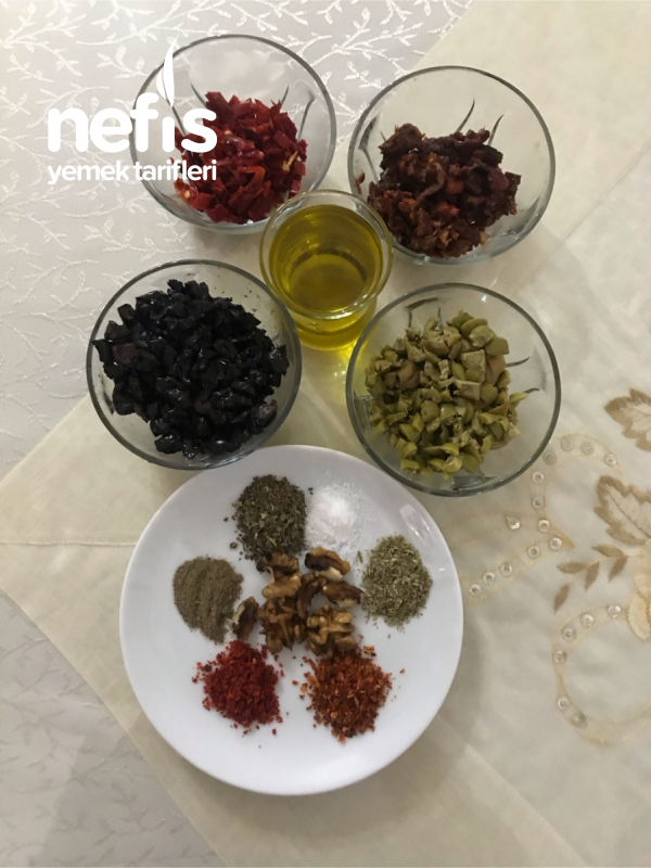 Kahvaltılık Kuru Domates Ve Zeytin Salatası (Big Chefs İkram Tabağı)