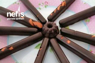Ev Yapımı Şekilli Çikolatalar Tarifi