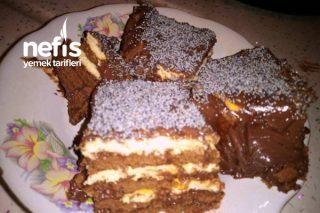 Tavada İki Renkli Yaş Pasta Şahane Değişik Ve Pratik Tarifi