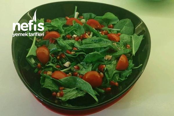 Bebek Ispanak Salatası Tarifi