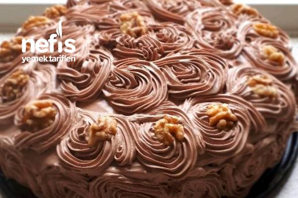 Çikolatalı Fındıklı Yaş Pasta Tarifi