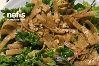 Erişteli Yeşil Salata Tarifi