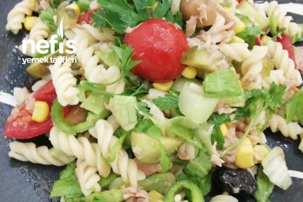 Kolay Ton Balıklı Makarna Salatası Tarifi