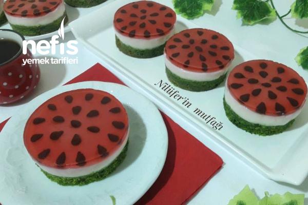 Porsiyonluk Karpuz Pasta Tarifi