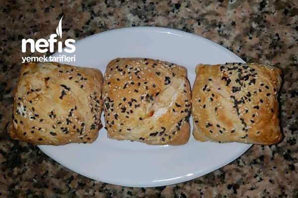 Sucuklu Peynirli Milföy Börek Tarifi